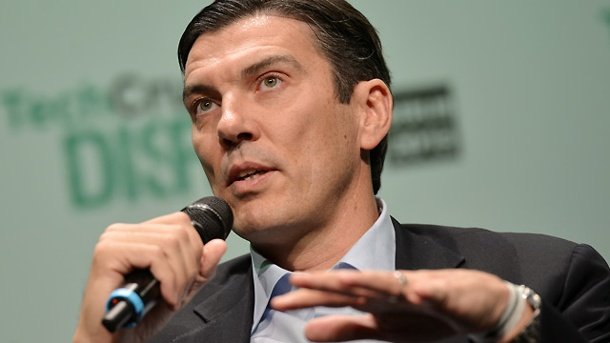 AOL-Chef Tim Armstrong entschuldigt sich in der Baby-Affäre. AOL-Chef Tim Armstrong (Quelle: dpa)
