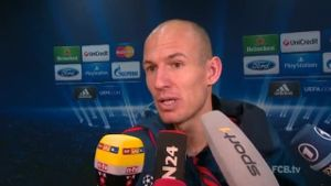 Arjen Robben im Interview. (Screenshot: omnisport)