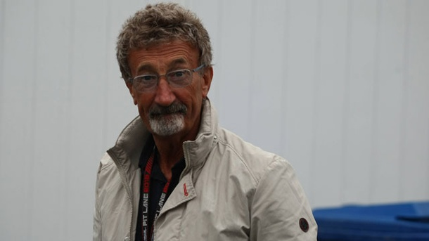 "Eddie Jordan: Red Bull ""wirkt arrogant"". Eddie Jordan wirft dem Red-Bull-Team Arroganz vor. (Quelle: imago/Crash Media Group)"