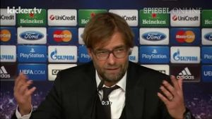 Jürgen Klopps Nachspiel: 'Do you think I'm an idiot?' (Screenshot: Kicker.TV)