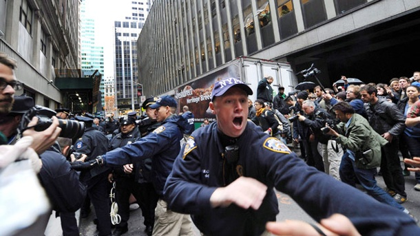 #myNYPD: New Yorker Polizei erlebt Twitter-Desaster. New York Police Departement (Quelle: dpa)