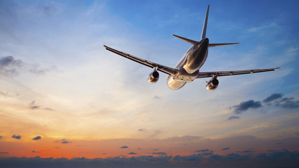 Billigflieger bis zu 160 Euro teurer.  (Quelle: Thinkstock by Getty-Images)