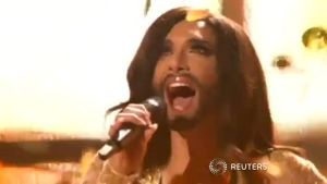 Dragqueen Conchita Wurst mit 'Rise like a Phoenix' gewinnt den Eurovision Song Contest (Screenshot: Reuters)