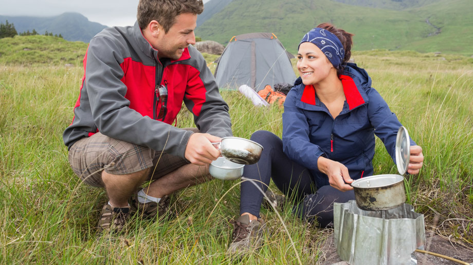 Camping-Grill für Unterwegs (Quelle: Thinkstock by Getty-Images)