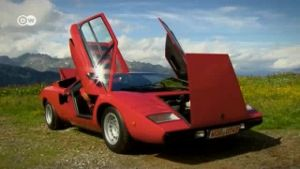 Mit Stil: Der Lamborghini Countach (Screenshot: Deutsche Welle)