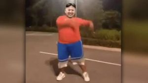 Kim Jong Un tanzt in unangemessenen Posen (Screenshot: Bit Projects)