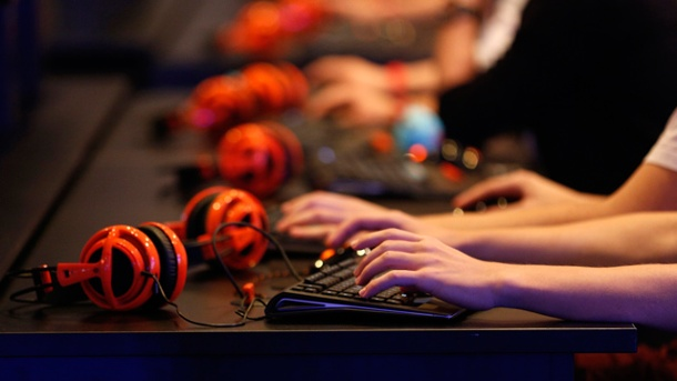 Gamescom 2014: Treffen der Youtube-Spiele-Blogger in Köln. Computerspieler in Aktion (Quelle: Reuters)