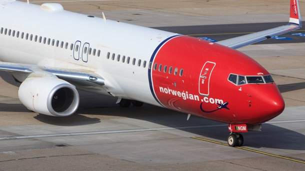 Norwegian Air International: USA verhindern Billigflüge aus Europa. Eine Maschine der Norwegian Air Shuttle auf dem Flughafen in Hamburg (Quelle: imago)