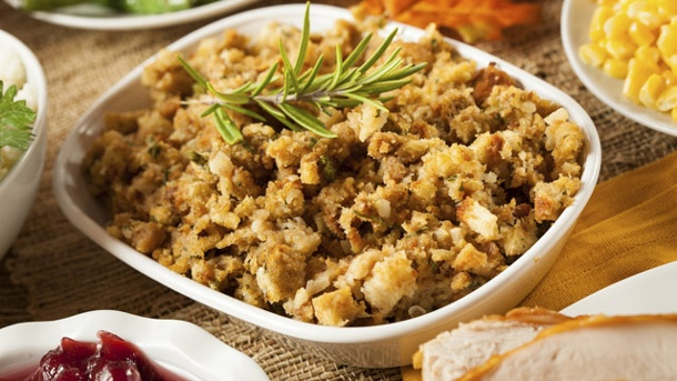 Truthahnfüllung zu Thanksgiving: Stuffings für jeden Gusto. Stuffing ist ein wichtiger Bestandteil des traditionellen Thankgiving-Essens (Quelle: Thinkstock by Getty-Images)