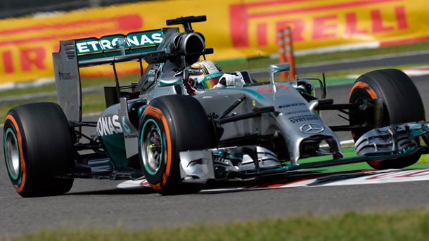 Suzuka: Silberpfeile dominieren beim 2. Training in Japan. Lewis Hamilton sichert sich am Trainingsfreitag in Suzuka die Trainingsbestzeit. (Quelle: dpa)