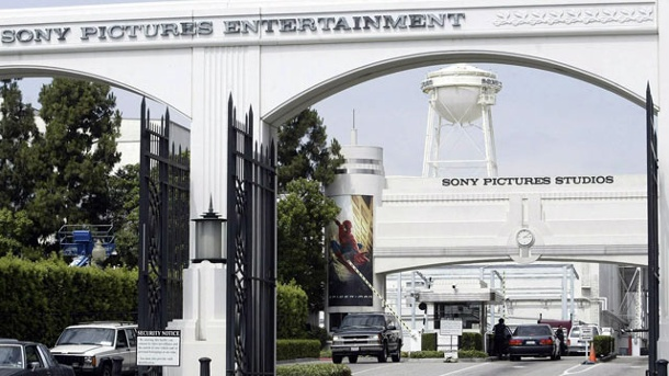 Sony-Hacker haben in Luxushotel residiert. Die Sony Pictures Studios in Culver City, Kalifornien. (Quelle: dpa/Archivbild)