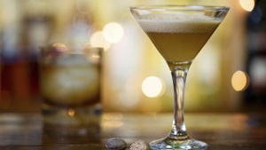 Brandy Alexander: Leckerer Cocktail mit Muskatnote