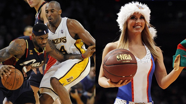 Kuriose Tradition in den USA: Die Christmas Games in der NBA. Auch LeBron James (li.) und Kobe Bryant sind in diesem Jahr im Einsatz, ebenso wie die Cheerleader im Weihnachtsoutfit. (Quelle: imago/UPI)