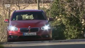 Neuer Allradler BMW 2 Active Tourer. (Screenshot: Deutsche Welle)