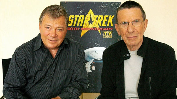 Kirk und Spock: William Shatner fehlt bei Leonard Nimoys Beerdigung. William Shatner (Captain Kirk) und Leonard Nimoy (Mr. Spock) im August 2006. (Quelle: Reuters)