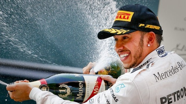 Motorsport: Internationale stimmen zum GP von China. Lewis Hamilton hat sich den Sieg in China verdient.