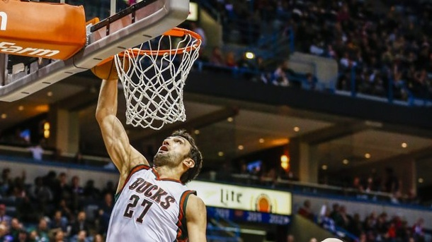 Dallas Mavericks holen Center Zaza Pachulia. Zaza Pachulia kommt von den Milwaukee Bucks.