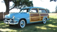 Ford Country Squire Woody Station Wagon (1951) (Quelle: Auto-Medienportal.Net/Barrett-Jackson )