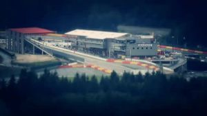 Die 'Eau Rouge' verlangt den F1-Piloten alles ab. (Screenshot: news2use)