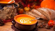 Kürbissuppe im Herbst. (Quelle: Thinkstock by Getty-Images)