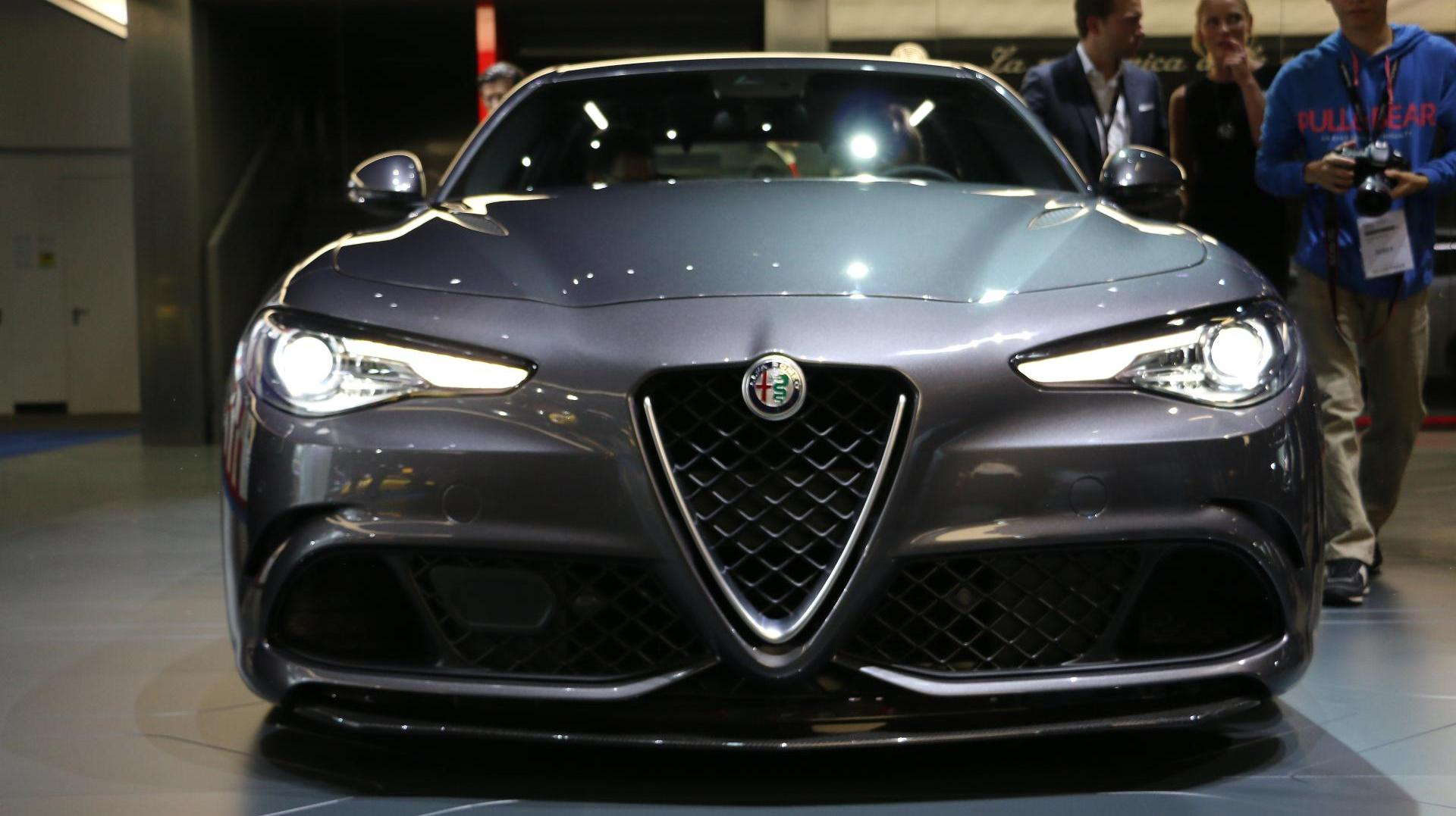 iaa 2015 alfa romeo giulia im ersten check. Black Bedroom Furniture Sets. Home Design Ideas