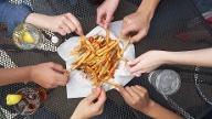 Pommes frites (Quelle: Thinkstock by Getty-Images)
