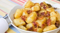 Rezeptbild: Warmer Kartoffelsalat (Quelle: Getty Images/dsmoulton)