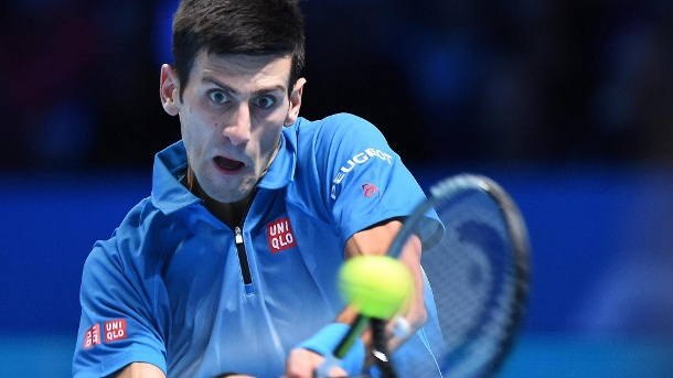Djokovic schlägt Federer und schreibt Tennis-Geschichte. Novak Djokovic hat zum vierten Mal in Serie die ATP World Tour Finals in London gewonnen.  (Quelle: dpa)