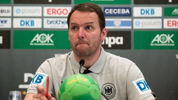 "Handball: DHB-Team visiert EM an, Coach ""sehr, sehr optimistisch"". Bundestrainer Dagur Sigurdsson lässt sich von den zahlreichen Ausfällen nicht irritieren."