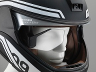 BMW hat den neuen Super-Motorradhelm mit Head-Up Display vorgestellt. (Quelle: BMW Group)