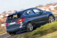 BMW 220i Active Tourer vs. Mercedes B 250 (Quelle: Rossen Gargolov)