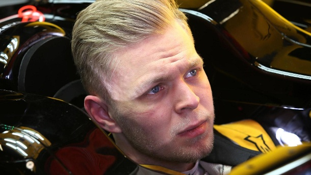 Kevin Magnussen im Porträt. Zurück: Nachdem Kevin Magnussen 2014 für McLaren unterwegs war, startet der Däne nun für Renault in der Formel 1. (Quelle: imago/Crash Media)