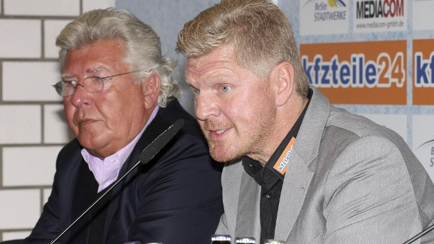 sc paderborn boss finke rechnet mit effenberg ab. Black Bedroom Furniture Sets. Home Design Ideas