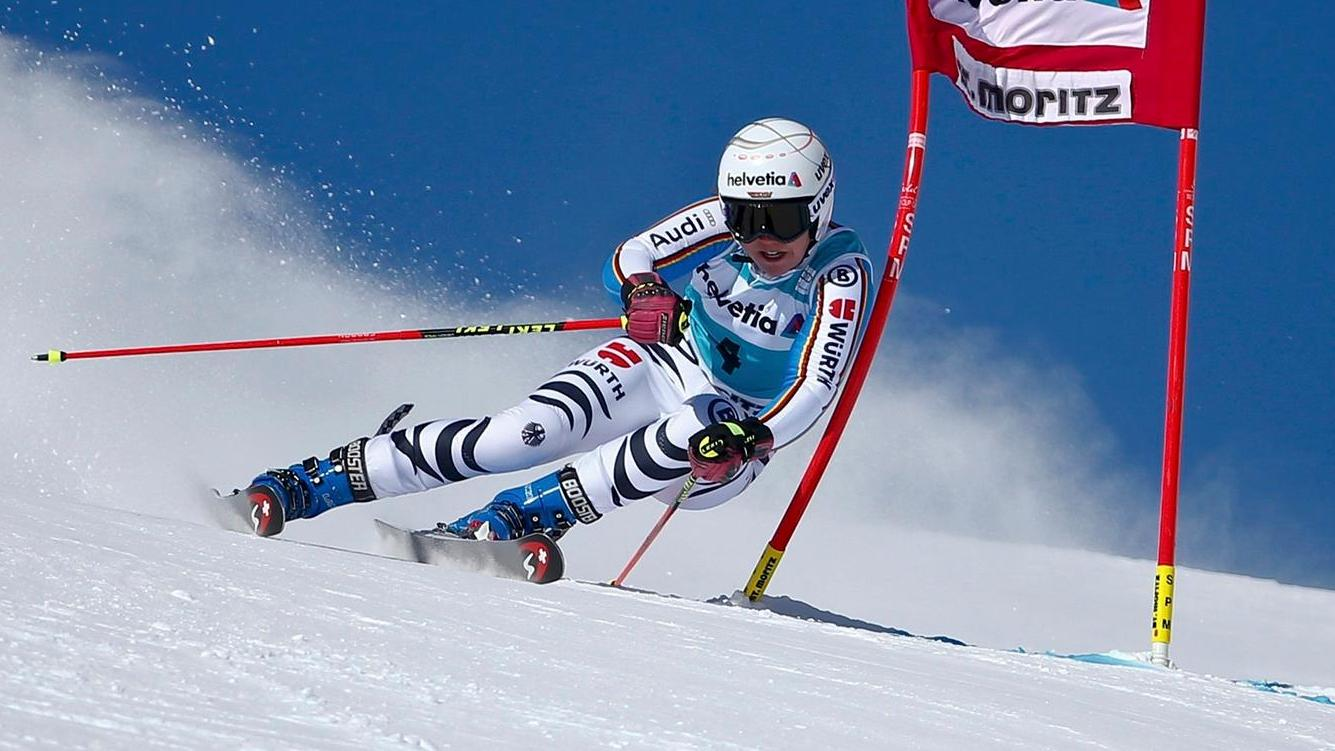 viktoria rebensburg siegt beim riesenslalom weltcup in st moritz. Black Bedroom Furniture Sets. Home Design Ideas