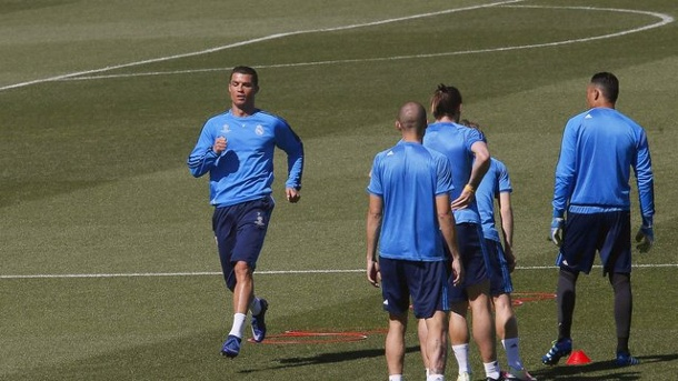 Real - Manchester: Madrid baut auf Cristiano Ronaldo. Real richtet sich ganz auf Cristiano Ronaldo aus.