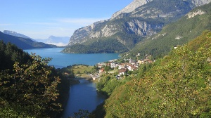 Sieben Seen-Alternativen zum Gardasee in Italien