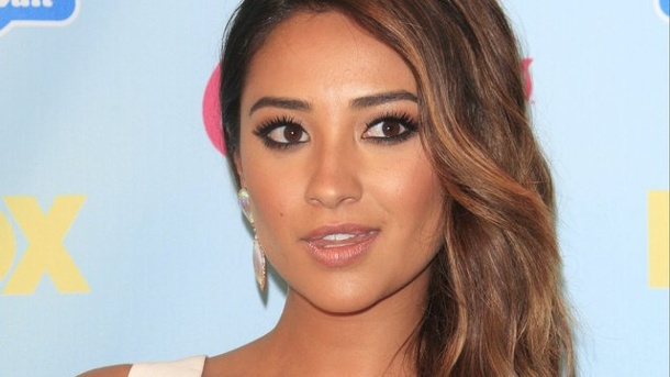 "Film: Horror-Rolle für Shay Mitchell. Bekannt aus der Mystery-TV-Serie ""Pretty Little Liars"": Shay Mitchell."