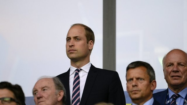 EM 2016: Prinz William unterstützte England gegen Slowakei im Stadion. Prinz William im Stadion Geoffroy Guichard in Saint-Etienne.