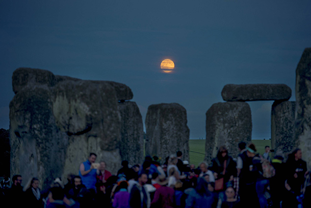 Vollmond über Stonehenge. (Quelle: ZUMA-Press)