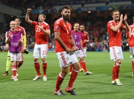 Joe Ledley (Mitte) (Quelle: AFP)