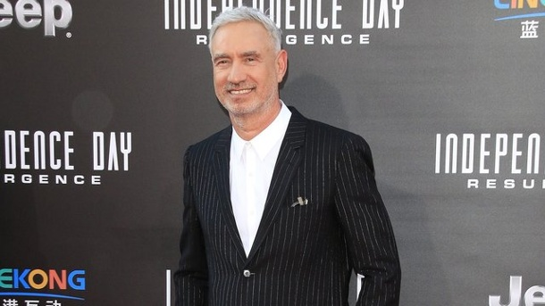 "Film: ""Independence Day 2"" startet stark in US-Kinos. Roland Emmerich stellt ""Independence Day: Wiederkehr"" in Hollywood vor."