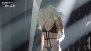 Britney Spears zeigt sich sexy wie nie. (Screenshot: Bit Projects)