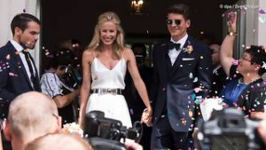 Mario Gomez hat seine Carina geheiratet. (Screenshot: Promiflash)