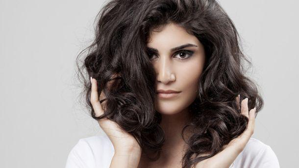 Haare: Tricks für mehr Volumen.  (Quelle: Thinkstock by Getty-Images)