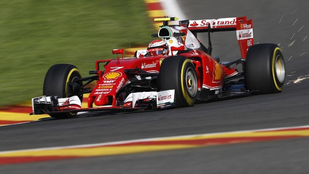 3. Training: Bestzeit für Kimi Räikkönen, Sebastian Vettel vorne dabei. Schnell unterwegs in Spa: Kimi Räikkönen in seinem Ferrari. (Quelle: imago/LAT Photographic)