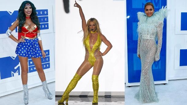 Britney Spears, Beyoncé, Rihanna & Co.: Die sexy Promi-Outfits der MTV VMAs. Farrah Abraham, Britney Spears und Beyoncé bei den MTV Video Music Awards 2016. (Quelle: AP/dpa)
