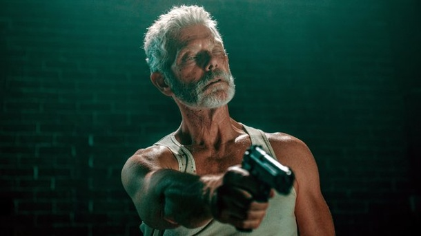 "Film - ""Don't breathe"": Horror mit altbewährten Mitteln. Stephen Lang in ""Don't Breathe""."