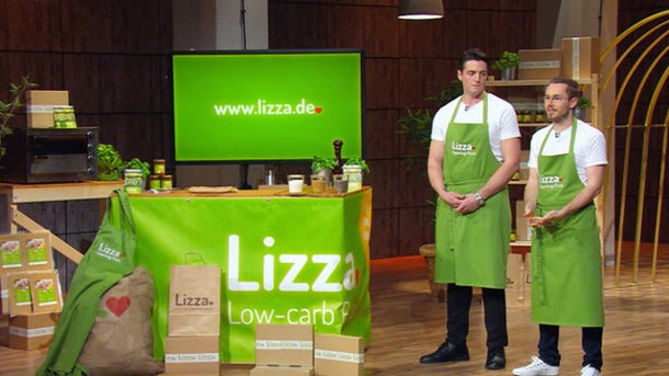 """Höhle der Löwen"": Maschmeyer biss bei Lizza-Pizza an . Low-carb Pizza aus Chia- und Leinsamen. (Screenshot: RTL) (Quelle: Screenshot: RTL)"