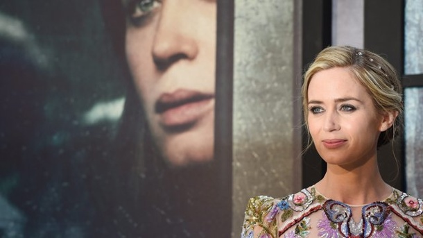 "Film: ""The Girl on the Train"" in US-Kinocharts vorn. Emily Blunt bei der Premiere von 'Girl on the Train' in London."