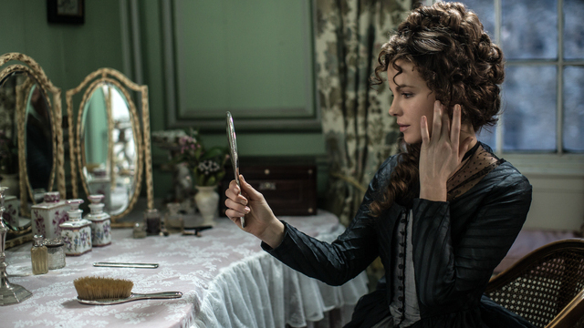"Kate Beckinsale in ""Love & Friendship"". (Quelle: t-online.de)"